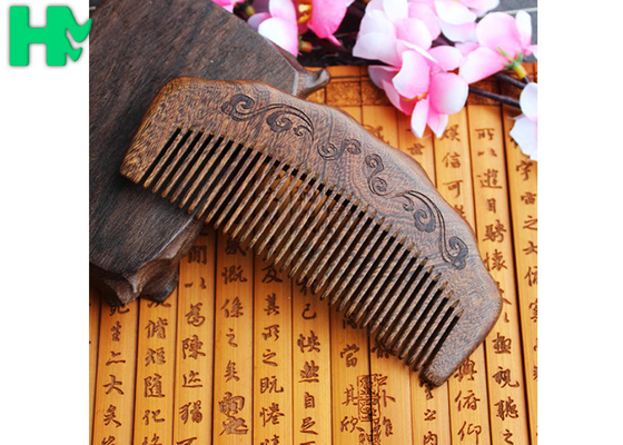 China High - End Hairdressing Wooden Beard Comb Anti - Static Solid Wood Carving Mushu supplier